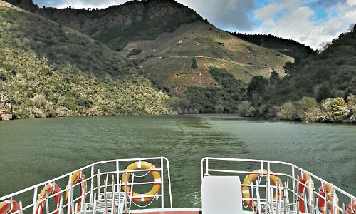 Surca los cañonones desde los distintos catamaranes